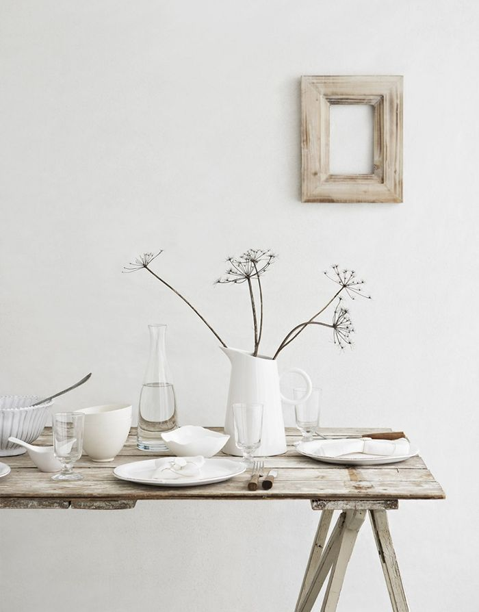 Une table simple et naturelle