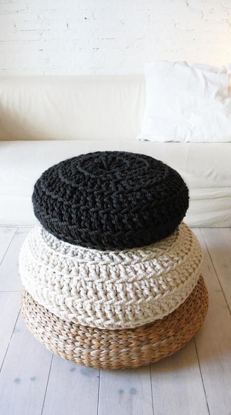 muima crochet pouf