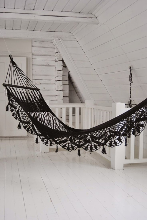 a black hammock is always a good idea