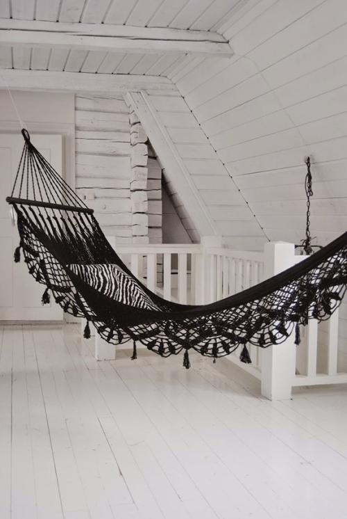 a black hammock is always a good idea