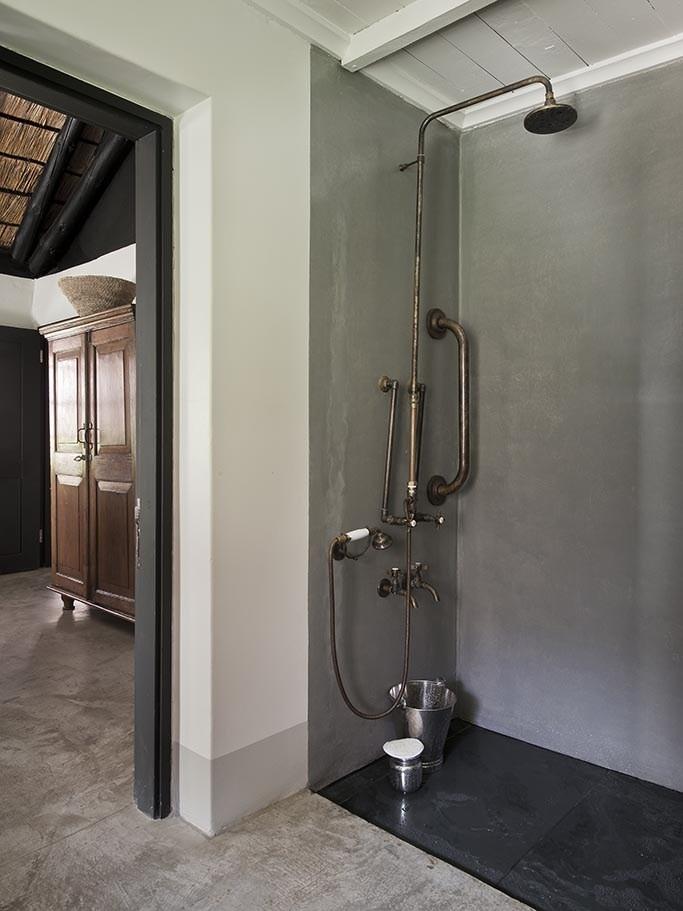 The-SATYAGRAHA-House-bath-2-683x911