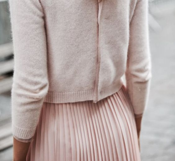 pink-pleated-skirt