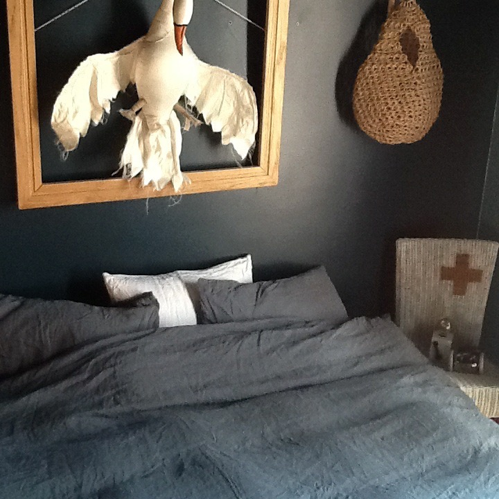 bedroom-navy