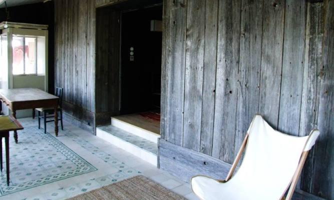bardage-gris-interieur