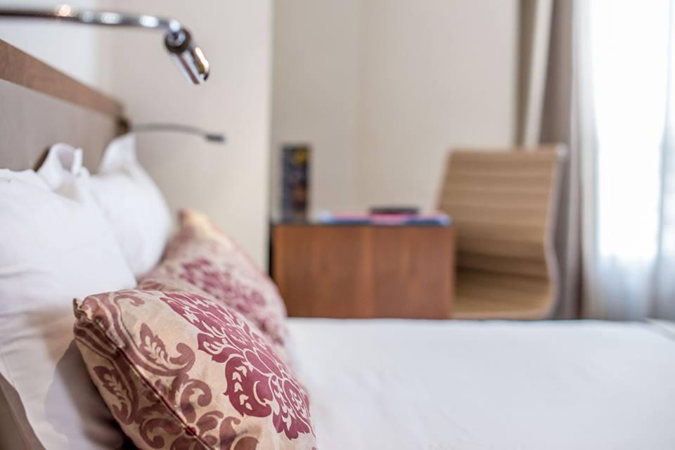 art-hotel-room