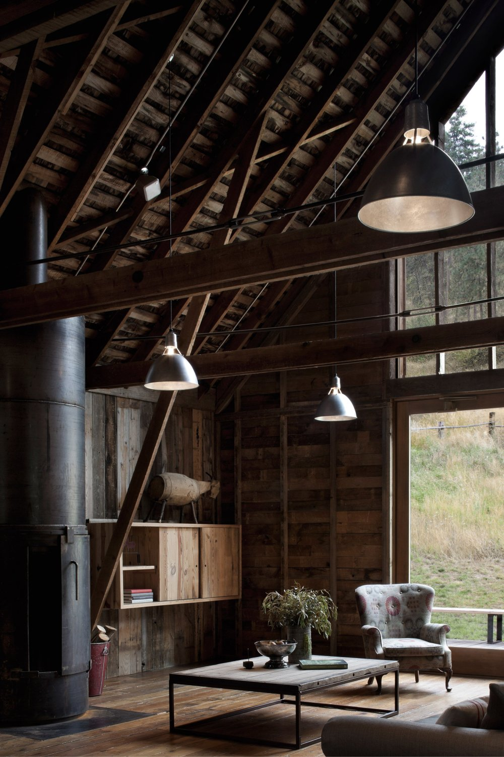 canyon-barn-mw-works-architecture-east-cascades-usa_dezeen_2364_col_1