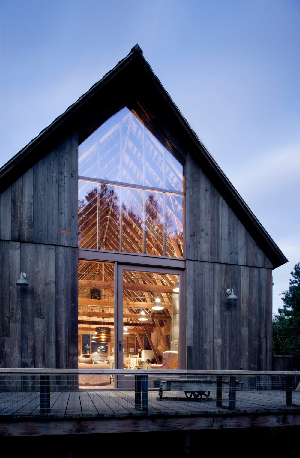 canyon-barn-mw-works-architecture-east-cascades-usa_dezeen_2364_col_12