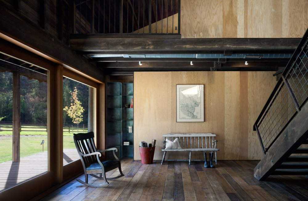 canyon-barn-mw-works-architecture-east-cascades-usa_dezeen_2364_col_5
