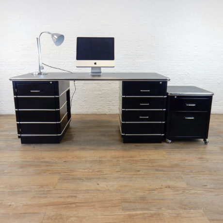 chrysler-desk