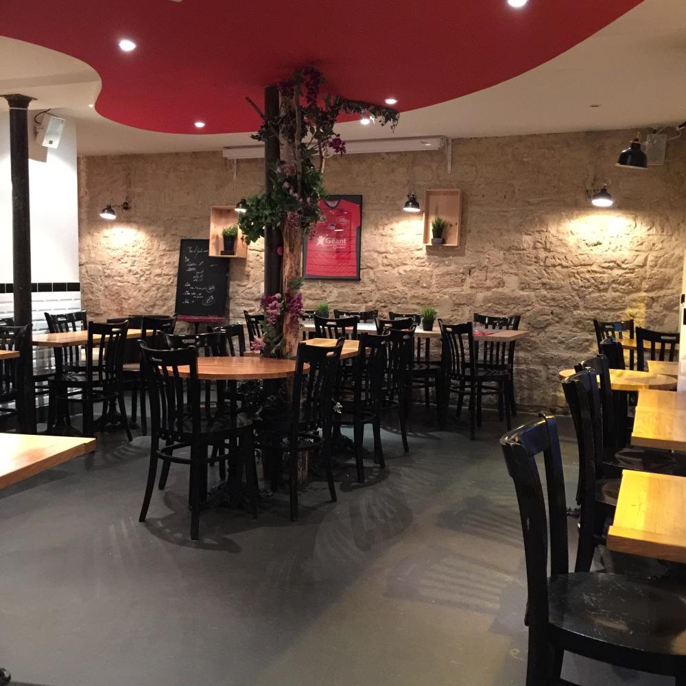 le-zinc-restaurant-rue-des-moines