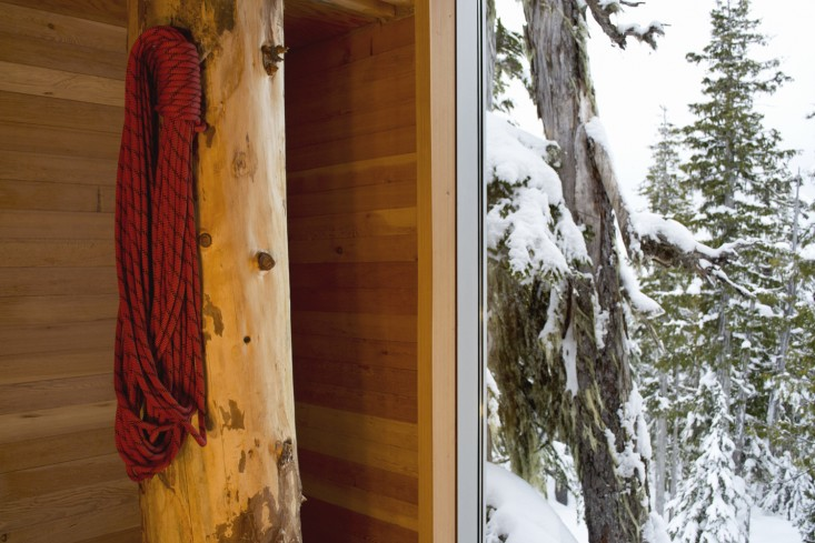 scott-and-scott-architects-alpine-cabin-canada-remodelista-02