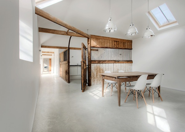 horse-stable-family-home-ar-design-studio-02