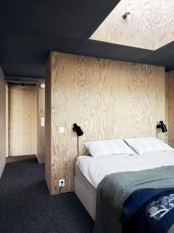 wood-wall-in-bedroom