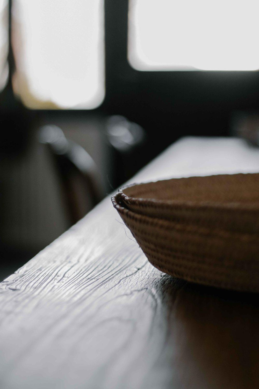 6.Detail bois et paille Secret Maison - nomadesBD